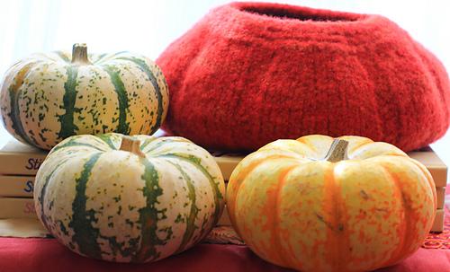 Gourd_bowl_side_view_medium