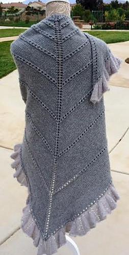 Champagne_shawl_back_medium