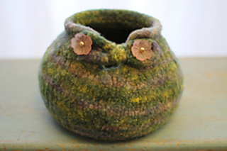 Yarn_bowl_rasta_small2