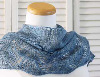 Knitting_pattern_shawl_something_blue_small2