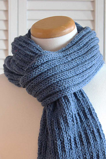 Knitting_pattern_blue_mist_scarf_small2