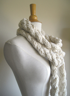 Rapunzel_scarf_white_001_small2