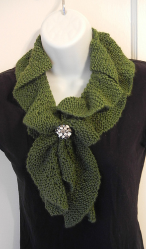 Ravelry Knit Ruffle Scarf Pattern By Heather Castle