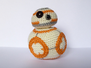 Free Star Wars Bb 8 Crochet Pattern : Ravelry: Star Wars BB8 pattern by Ana Yogui