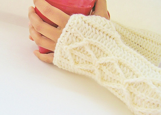 Cream_mitts_024_small2