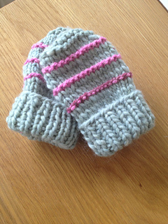 Knitting Pattern For Toddler Mittens With Thumbs : Ravelry: easy knit baby mittens pattern by marianna mel