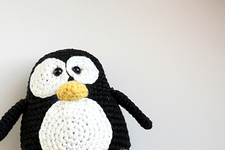 Tux_crochet_pattern_small2