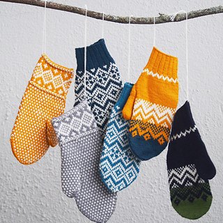 Cheeky-mittens-collection-organic-knitters-all_small2