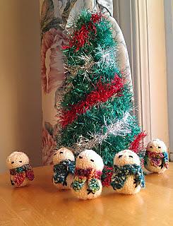 Imag0203snowmantree_small2