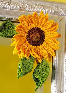 Pj_crochetsunflower_600x840_small2