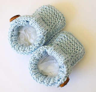 13_free_pattern_for_knitted_baby_shoes_with_t-straps_small2