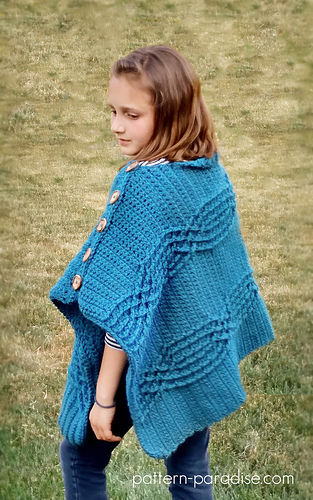 Cabled_poncho_3_medium