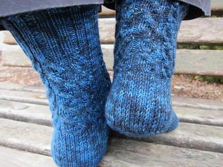 Starry_night_socks_4_small2