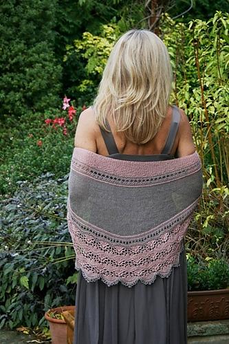 Châle léger tricoté pour mariée