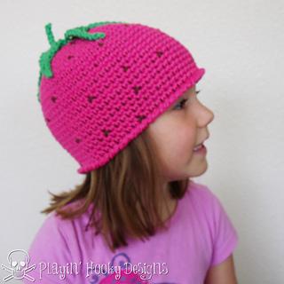 Strawberry_beanie-22_small2