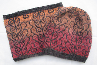 Garden_gate_hat_and_cowl_small2