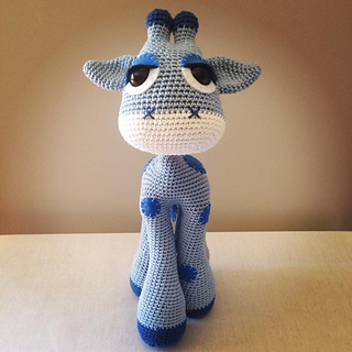 Blog Laura Amigurumi : Ravelry: Flick the Giraffe - Amigurumi pattern by Laura Pavy