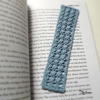 Slanted-puffs-bookmark-rav_small2