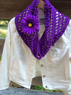 Chain_lace_cowl_bernat_handicrafter_cotton_delux_purple_small2