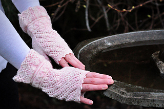 Sm_wynonastudios_bridalmitts-1_small2
