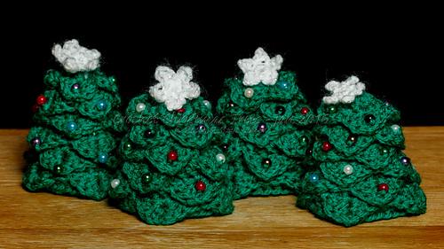 Ravelry Crocodile Stitch Mini Christmas Tree Pattern By
