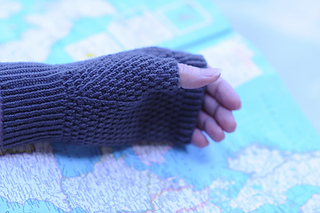 Translated_palm_and_thumb_gusset_on_map_small2
