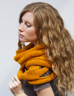 Marigoldloopscarf5_small2