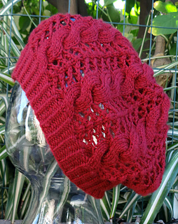 Lace_cable_beret_11-17-13_small2
