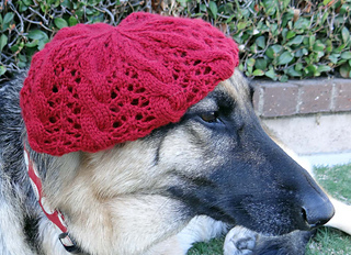 Lace_cable_beret_on_p_11-17-13_small2