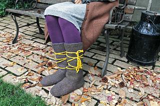 Knittedslipperbook_p45_small2