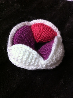 Knit_amish_puzzle_ball_3_small2