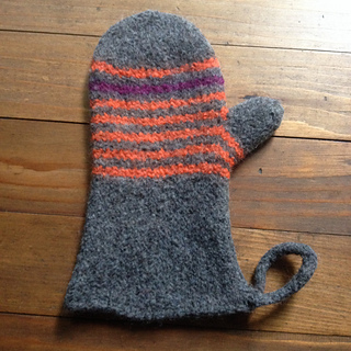 Ravelry Scrappy Felted Oven Mitts Pattern By Kelly Gubbels