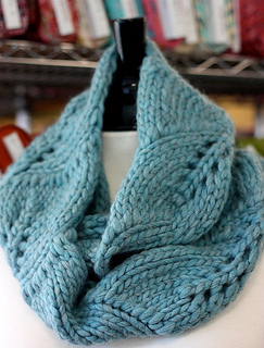 Sea_gem_scarf_small2