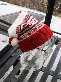 Heartwarming_hat_shiri_designs_12_2010_yule_small2