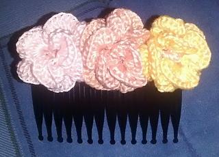 Haircomb3flowers1_small2