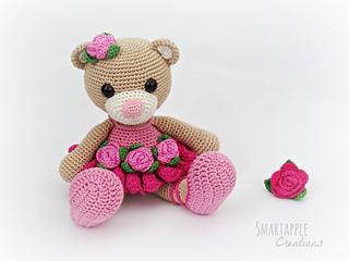 Crochet_ballerina_bear_small2