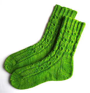 Hollow_oak_socks-1_small2
