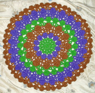 Foxs_flower_petals_doily_pattern_tested_small2