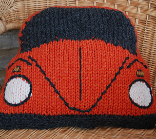 Ravelry: Cushion Knitting Pattern based on the VW Beetle / Bug pattern by Tra...