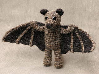 Crochet_bat_pattern_small2
