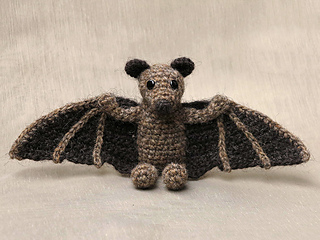 Crochet_flying_fox_bat_pattern_small2