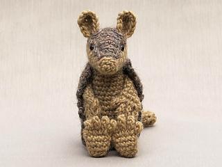 Crochet-armadillo_small2