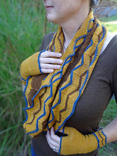 Mitts_and_cowl_small2