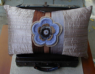 Pillow_corsage_2_small2