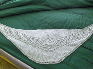 Graycabledshawl_1_small2