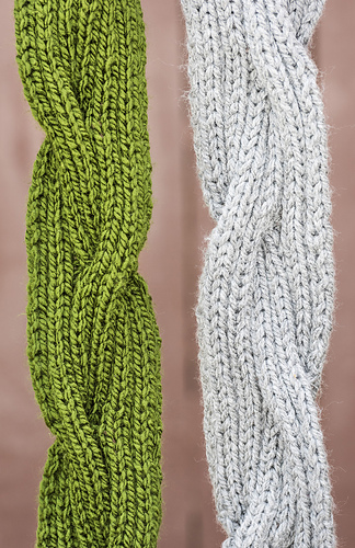 Reversible Cable Scarf #712 PDF