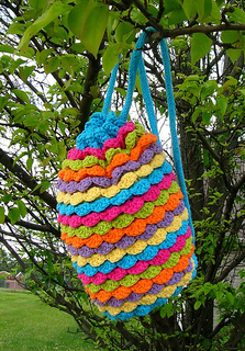 Spring_petals_backpack_03_small2
