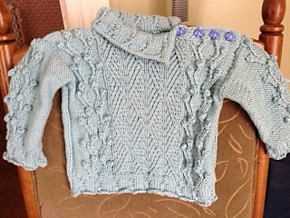 Twins_sweater_2_small2