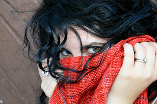 Red_scarf_1_small2