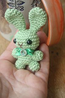 Amigurumi Jewelry Patterns : Ravelry: Amigurumi Bunny Brooch pattern by HappyAmigurumi